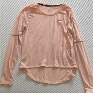 Nike dr fit pink long sleeve high-low tee